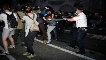 Nueva jornada de protestas deja 24 detenidos en Kentucky, EE.UU.