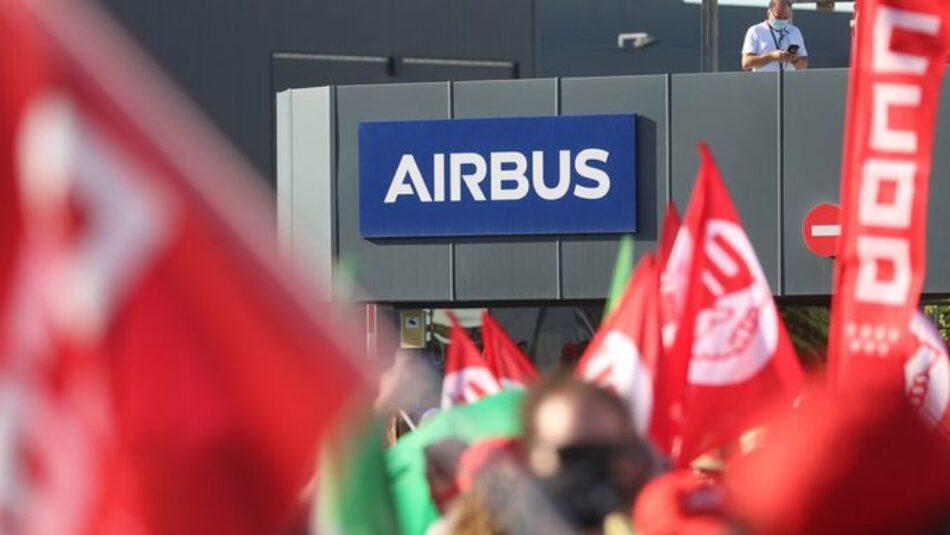 IU pide a la Comisión Europea que frene los despidos en Airbus