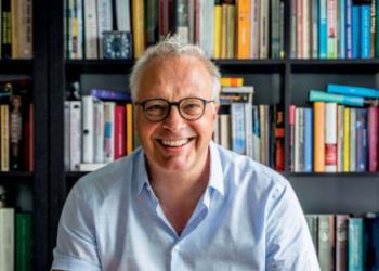 Peter Mertens: «El terremoto ideológico es más importante que el virus en sí mismo»