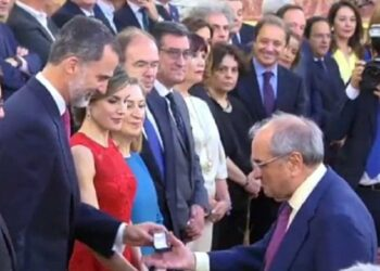 El PCTE acusa a González, Aznar, Zapatero y Rajoy de complicidad con crímenes de lesa humanidad por su apoyo a Martín Villa