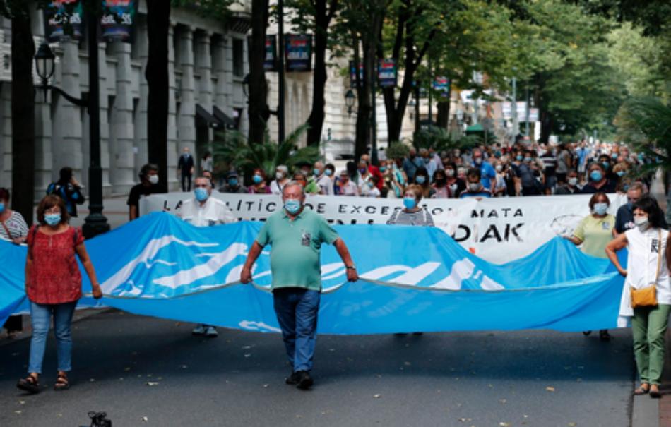 Miles han salido a las calles de Bilbao para denunciar la muerte del preso Igor González Sola