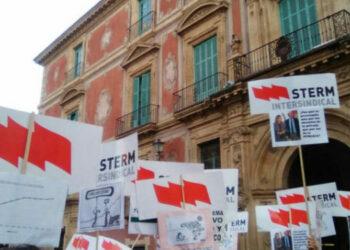 STERM-Intersindical anuncia una lluvia de denuncias por incumplimiento de las medidad de protección del profesorado
