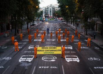 Greenpeace: «Utilizar el coche para evitar el contagio es un riesgo mucho peor que el virus»