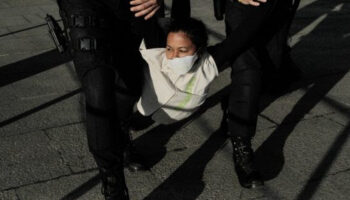 Un informe de Greenpeace y Liberties denuncia un excesivo recorte de libertades en la UE durante la pandemia de Covid-19
