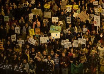 Greenpeace, Ecologistas en Acción y Oxfam Intermón demandan al Gobierno por «inacción ante el cambio climático»