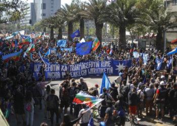 Miles de chilen@s y mapuches marcharon contra viejos y nuevos conquistadores