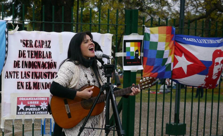 Vibrante homenaje político-cultural al Che y a los pueblos originarios en Buenos Aires