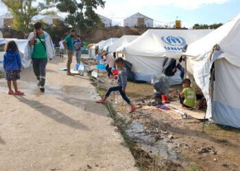 Un mes después de los incendios en Moria, ACNUR alerta del deterioro de las condiciones con la llegada del invierno