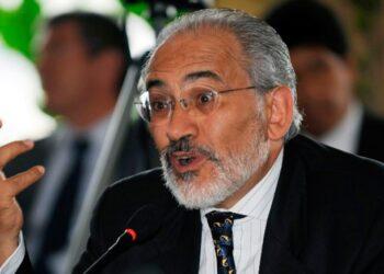 Carlos Mesa: Avaro, Corrupto, Inepto y Autócrata