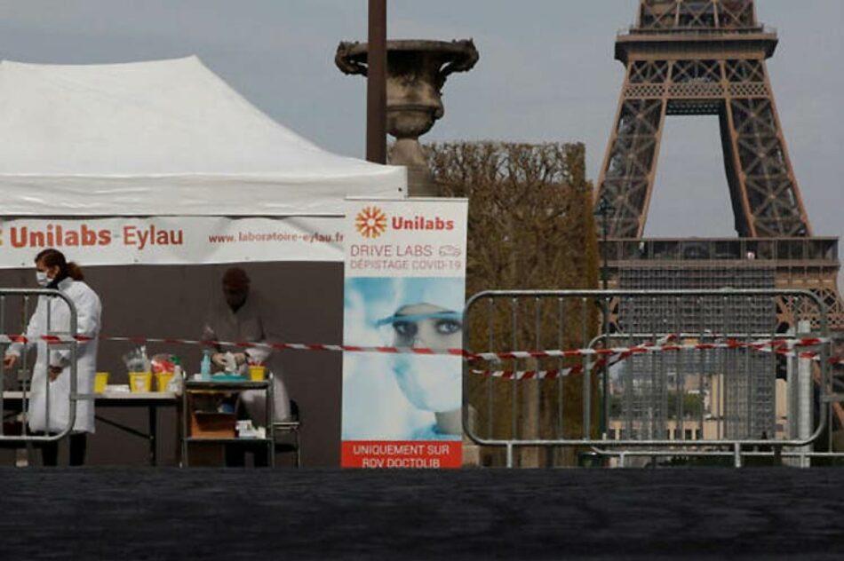 Francia regresa al confinamiento sin detener clases y trabajo