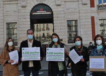 SATSE entrega 6.335 escritos para protestar por las imposiciones de la presidenta Ayuso