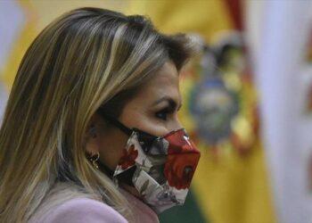 Jeanine Áñez vuelve a atacar al MAS y asegura que impedirá