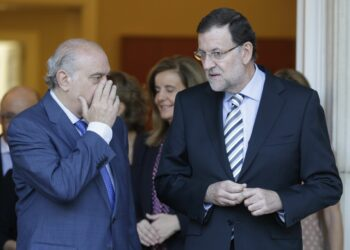 """Enrique Santiago reclama a los grupos que """"sumen esfuerzos"""" para """"sacar adelante la comisión de investigación y esclarecer la 'mafia policial' del PP en Interior"""""""