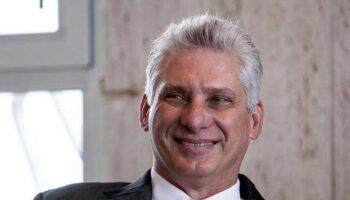 Felicita presidente de Cuba al MAS por victoria en Bolivia