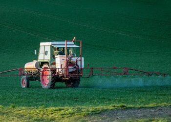Amigos de la Tierra apunta a la relajación de las normativas en uso de pesticidas para reiterar su rechazo al Tratado UE-Mercosur