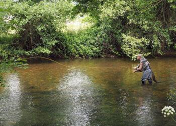 Ecologistas asturianos denuncian la permisividad del Principado con la sobrepesca en ríos