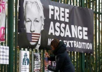 10 razones para salvar el futuro del periodismo El 'juicio del siglo' contra Julian Assange
