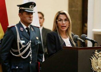 Aprueban juicio contra presidenta de facto en Bolivia por masacres