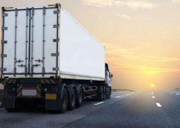Tráfico pone en marcha una campaña de vigilancia y control de camiones y autobuses que operan en Andalucía