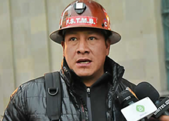 El dirigente minero Orlando Gutiérrez fue atacado por derechistas en Bolivia, y se encuentra internado
