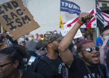 Más de 90 detenidos durante protestas en Filadelfia, EE.UU.