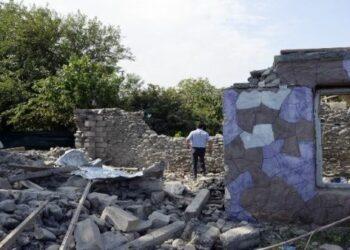 Armenia y Azerbaiyán se comprometen a no atacar objetivos civiles