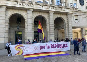 """IU Sevilla y PCE proponen que el Paseo Juan Carlos I pase a denominarse """"de la Sanidad Pública"""""""