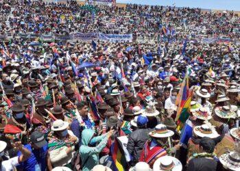 Evo Morales, aclamado en Uyuni, Orinoca y Oruro