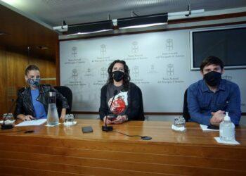 Nuria Rodríguez reitera su calificación a Vox como fascistas: «A las jirafas se les nombra como jirafas y a los gatos como gatos»