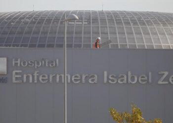 Gobierno Ayuso adjudica a dedo la seguridad del hospital Enfermera Isabel Zendal a una empresa de una exconcejala del PP
