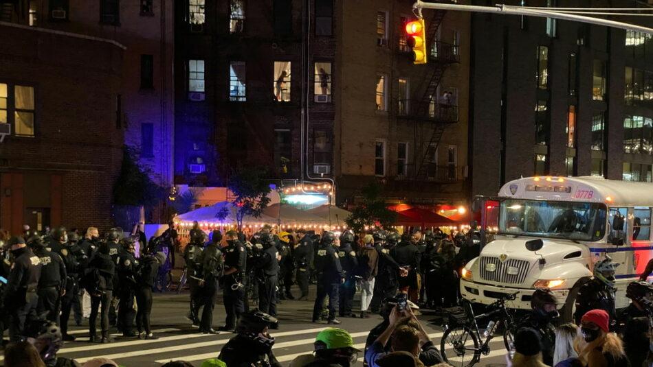 Enfrentamientos en Nueva York, Portland y Arizona entre la Policía y manifestantes que exigen un recuento completo de votos