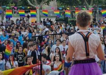 Marea Arcoíris recuerda en el día de la memoria trans que los derechos de las personas trans son derechos humanos