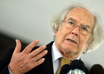 Premio Nobel argentino denuncia política de EE.UU. contra Venezuela