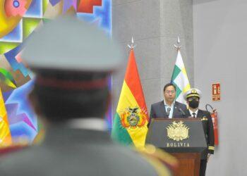 Luis Arce cambia la cúpula de las Fuerzas Armadas bolivianas