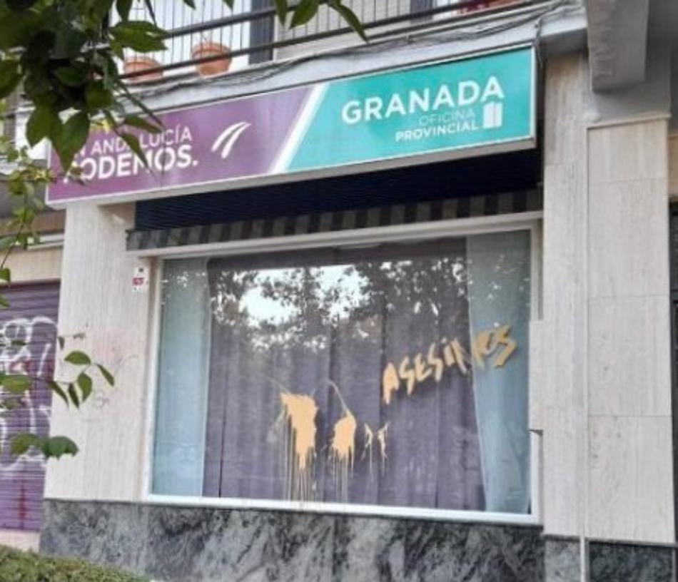 Podemos Andalucía denuncia las pintadas amenazantes de la sede de Granada