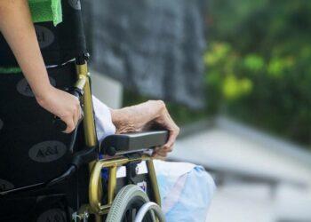 Los trabajadores de residencias de mayores presentan alto estrés y miedo en la pandemia