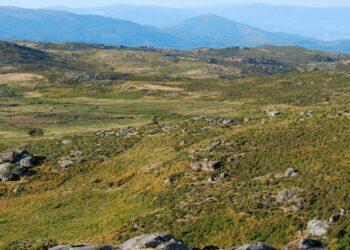 A paraxe natural da Serra do Suído, en alerta vermella polo impacto negativo do parque eólico Coto das Airas