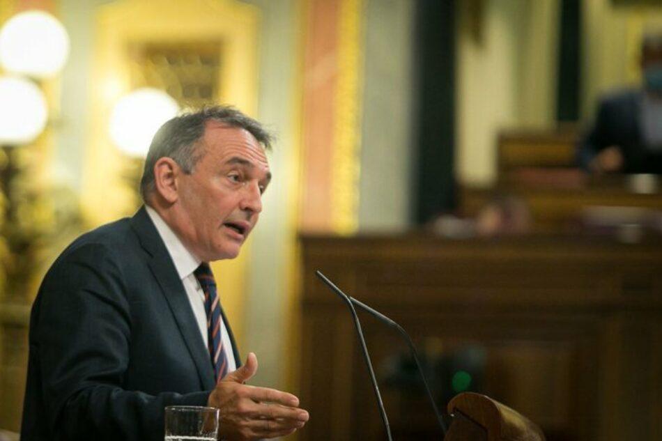 """Enrique Santiago acusa al PP de """"mentir"""" para justificar su """"obsesivo rechazo al estado de alarma"""""""