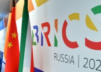 Rusia aboga en BRICS por producción masiva de vacunas antiCovid