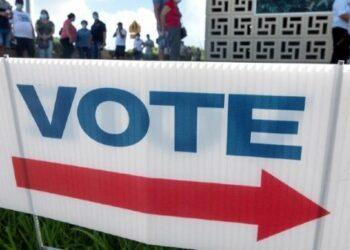 Abren los primeros colegios electorales en Estados Unidos
