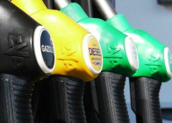 Organizaciones ambientales piden al Gobierno el fin de la bonificación al diésel en los Presupuestos