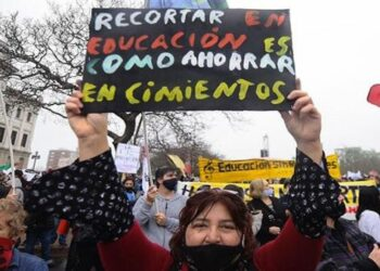 Profesores uruguayos inician paro nacional de 48 horas