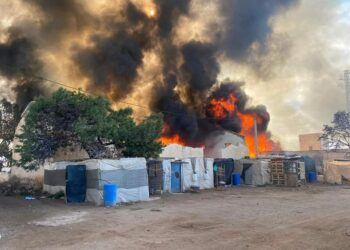Arde otro asentamiento de trabajadores migrantes de Santa Paula, en Níjar