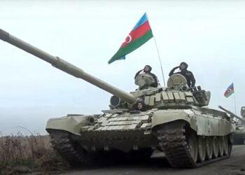 """Azerbaiyán amenaza con """"destruir"""" Armenia tras morir 4 soldados"""