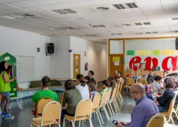El movimiento vecinal se vuelca contra la intención del Ayuntamiento de Madrid de cerrar el EVA