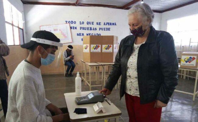 ¿Cómo elige la población indígena sus representantes a la Asamblea Nacional venezolana?