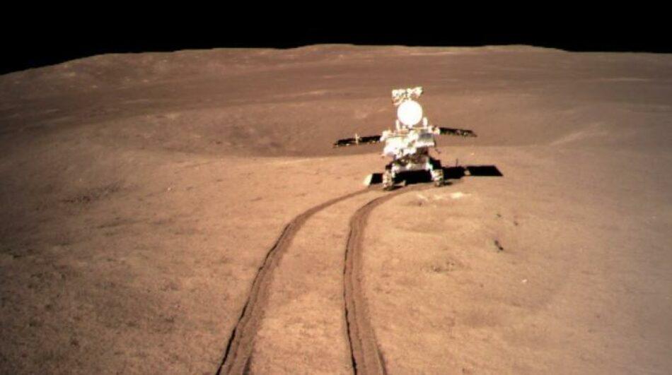 La sonda china Chang'e 5 despega con muestras lunares rumbo a la Tierra