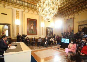 Embajada de Venezuela en España: «triunfó la democracia, se abren nuevos caminos de paz»