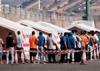 APDHA solicita a Interior que expediente a los agentes que vincularon la pandemia con las personas migrantes