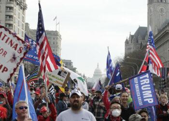 Los disturbios causados por los partidarios de Trump en Washington concluyen con cinco heridos de gravedad